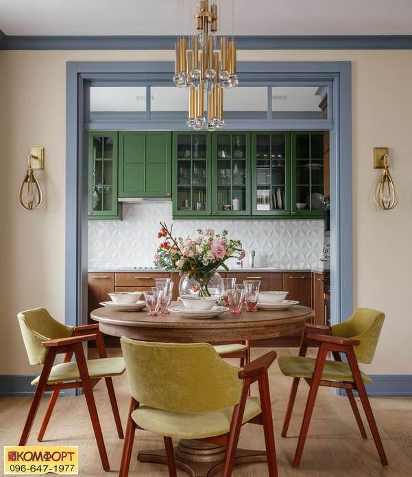 Кухня в оливковом и коричневом цвете